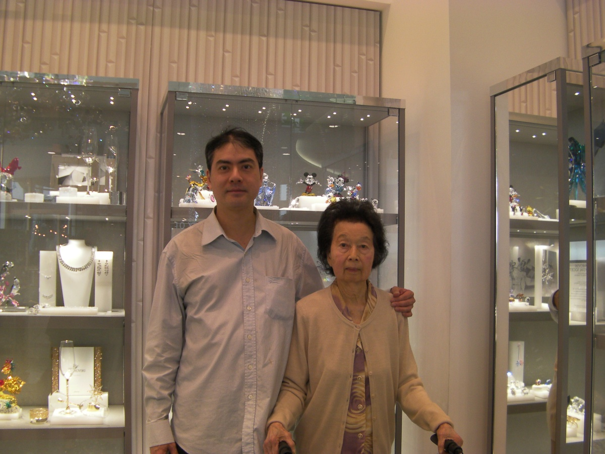 Khai & Khim at a Swarovski Shop (11 Sep 2015, 11:05 AM Friday)