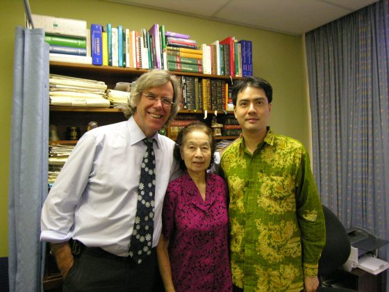 Khai & Khim with Clinical Cardiologist and Associate Professor of Medicine, Dr David M Colquhoun at the Wesley Hospital (27 Nov 2009, 3:44 PM Friday)