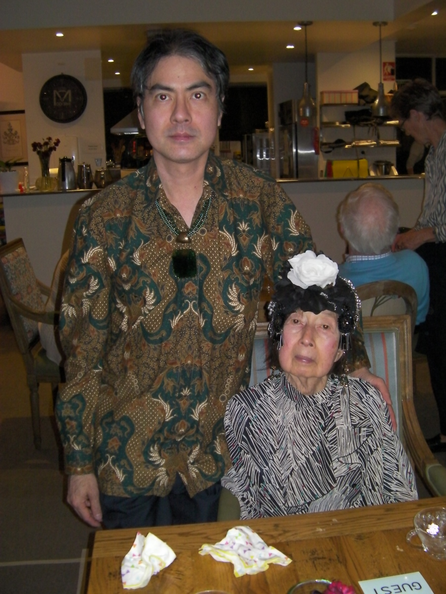 Khai & Khim with the front view of her ornate hat at Communify Supper Club (14 Jun 2018, 6:32 PM Thursday)