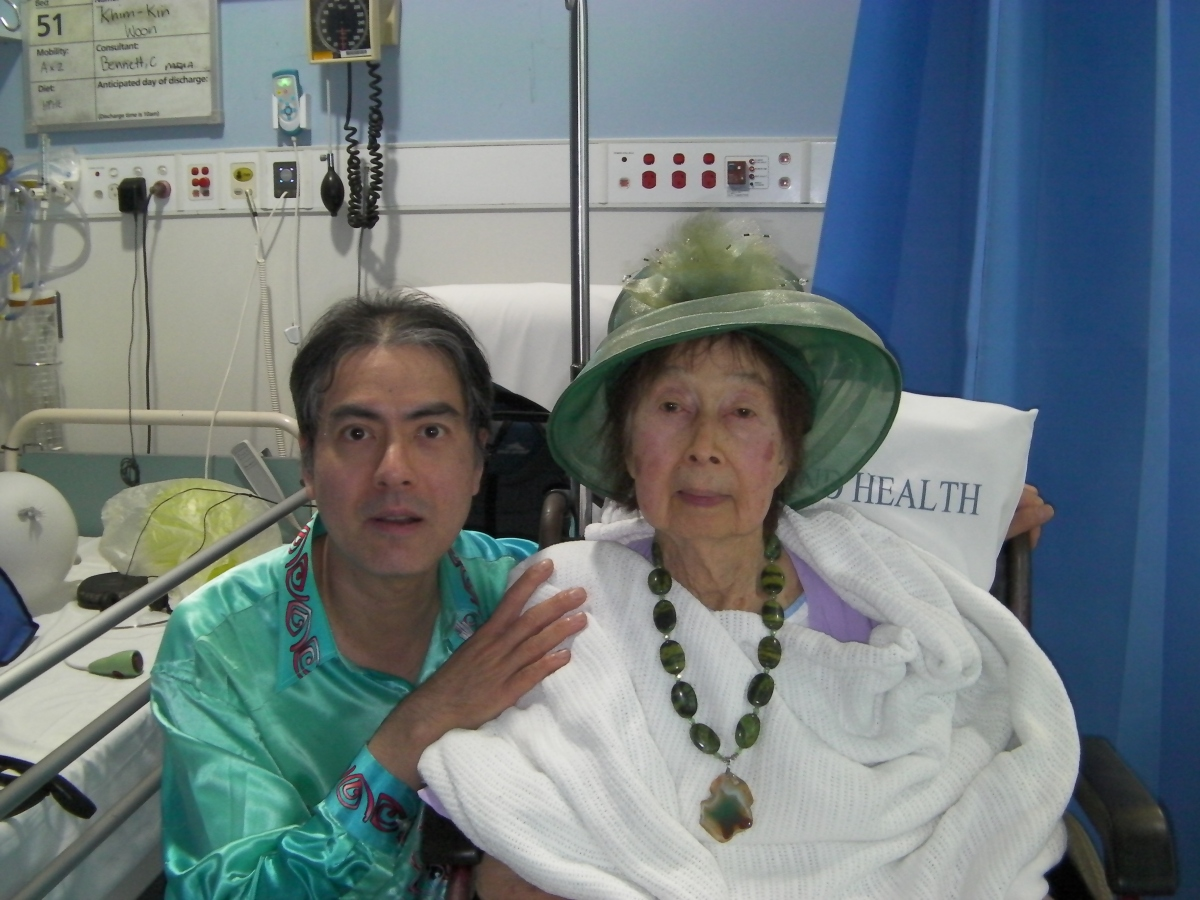 Khai visiting Khim daily from morning till evening and gifting a gemstone necklace to her at the Royal Brisbane and Women's Hospital (7 Jun 2019, 1:24 PM Friday)