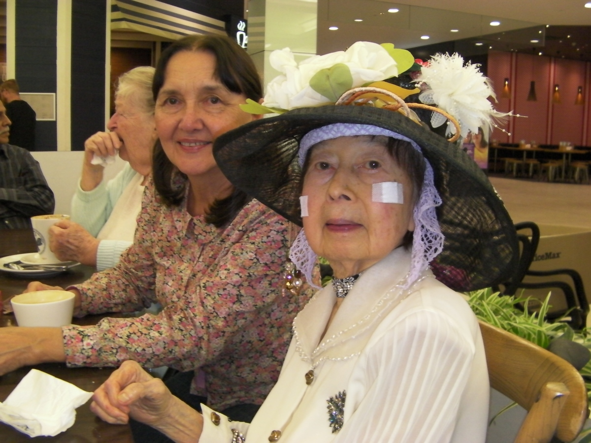Khim & Lucy at Jamaica Blue, Indooroopilly Shopping Centre (7 May 2019, 10:21 AM Tuesday)